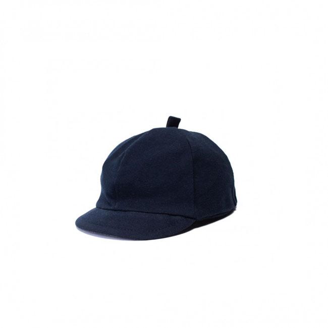 Catya tamsiai mėlynas mažylio kepuriukas su snapeliu